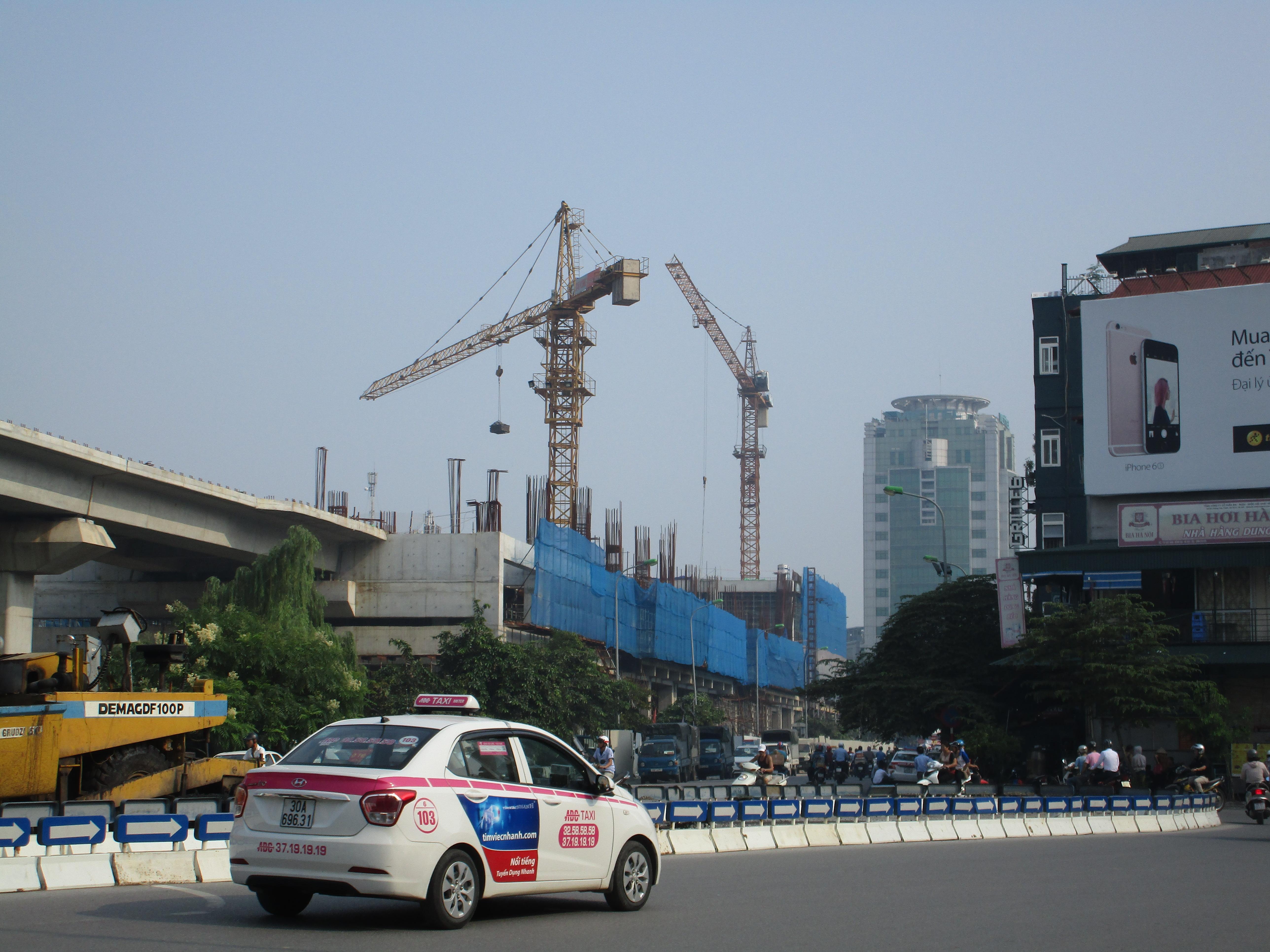建設中のカットリン・ターミナル駅