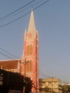 朝のタンディン教会